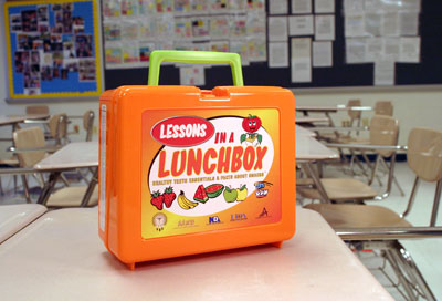 Lunch box front view